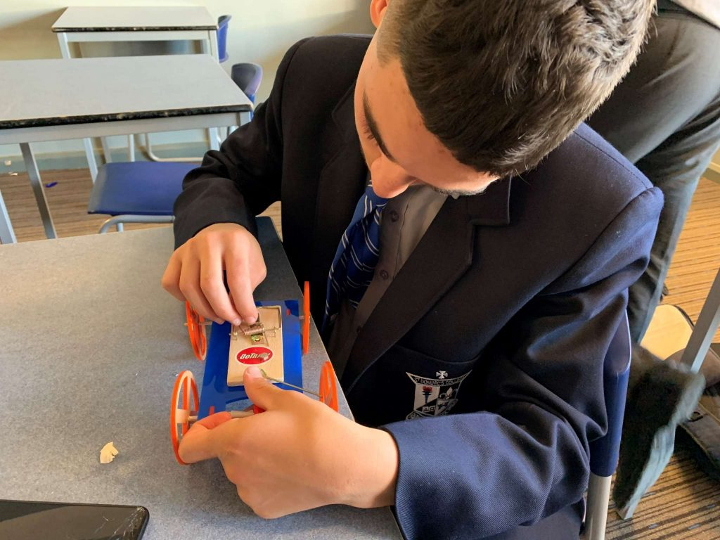 Year 10 iSTEM Discovering the Relationship Between Force, Distance and Speed